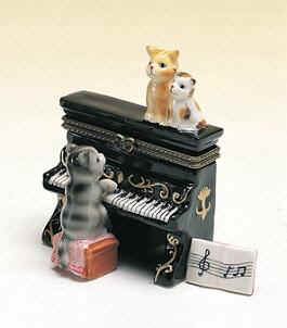 DC00499-Cat-playing upright-piano-musical-favor-hinge-box-ceramic.jpg (12551 bytes)