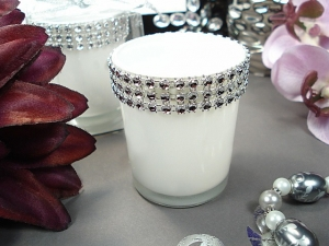 6130-white-glass-rhinestone-votivecandle-holder-favor.jpg (60012 bytes)