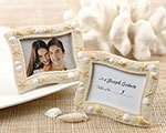 Beach_theme_frame_favor_party_shell_frames25029NA.jpg (6960 bytes)