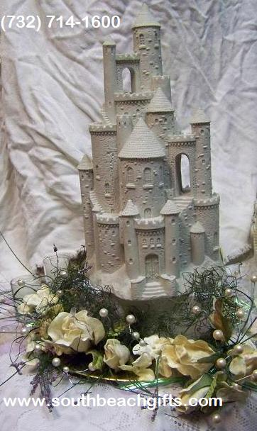 Princess_Castle_center_piece_favor_table_15inchcastleWhite-1005MS.JPG (48368 bytes)