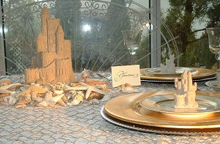 Sand_castle_favors_Centerpieces_mini-castle210.jpg (23002 bytes)