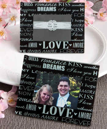 Love_wedding-frame-card_holder-photo_holders4165.jpg (27300 bytes)