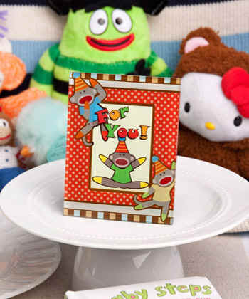 Sock-monkey-frame-party-favor-photo-frame-namecard-holder4162.jpg (22207 bytes)